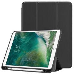 iMoshion Custodia Trifold iPad (2018) / (2017) / Air 2 / Air - Nero
