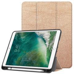 iMoshion Custodia Trifold iPad (2018) / (2017) / Air 2 / Air - Oro